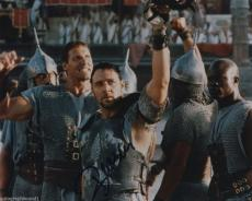 Russell Crowe Signed Autographed Gladiator Photo Nice!!