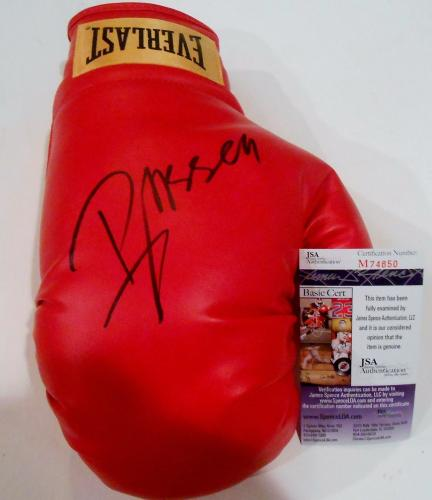 Russell Crowe Signed Everlast Boxing Glove w/JSA COA M74850 Gladiator