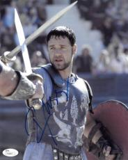 Russell Crowe signed Gladiator 8X10 Photo- JSA Hologram #T40847 (with sword)