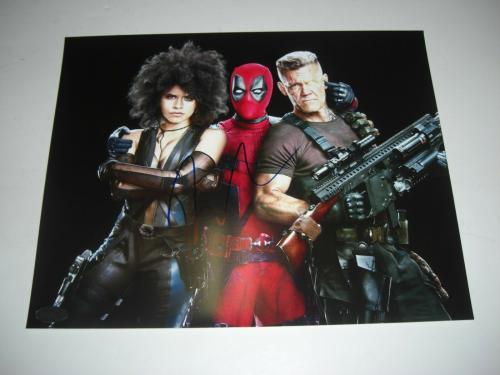 Ryan Reynolds Deadpool,green Lantern Actor W/holo Signed 8x10 Photo