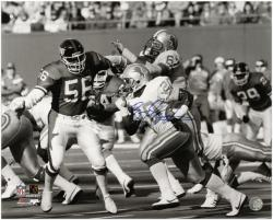 "Barry Sanders Detroit Lions Autographed 16"" x 20"" vs Lawrence Taylor Photograph"