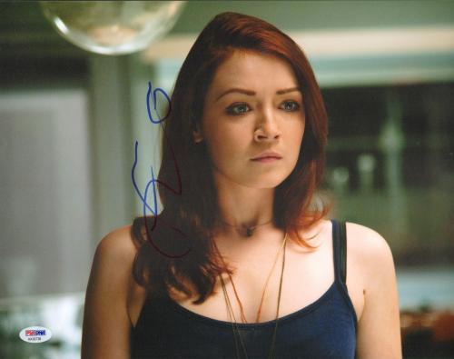 Sarah Bolger Signed 11x14 Photo PSA/DNA COA The Lazarus Effect Picture Autograph
