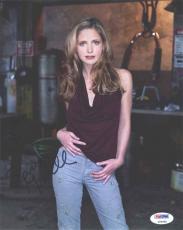 Sarah Michelle Gellar Autographed Signed 8x10 Photo PSA/DNA COA
