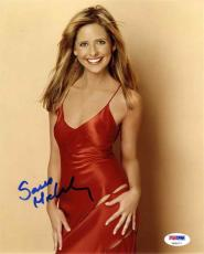 Sarah Michelle Gellar Cute Autographed Signed 8x10 Photo Certified PSA/DNA COA