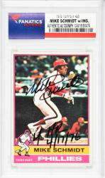 Mike Schmidt Philadelphia Phillies Autographed 1976 Topps #480 Card with 4 HR 4/17/76 Inscription - Mounted Memories  - Mounted Memories