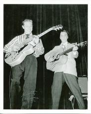 SCOTTY MOORE HAND SIGNED 8x10 PHOTO+COA     AMAZING POSE WITH ELVIS PRESLEY