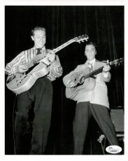 SCOTTY MOORE HAND SIGNED 8x10 PHOTO+JSA       AMAZING POSE WITH ELVIS PRESLEY