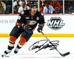 "Teemu Selanne Anaheim Ducks Autographed 8"" x 10"" Shooting Black Photograph"