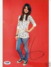 Selena Gomez Signed Auto'd Cute 8x10 Photo PSA/DNA COA