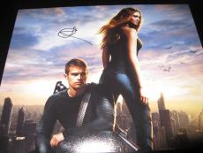 SHAILENE WOODLEY SIGNED AUTOGRAPH 8x10 DIVERGENT PROMO IN PERSON COA AUTO K
