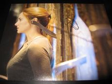 SHAILENE WOODLEY SIGNED AUTOGRAPH 8x10 DIVERGENT PROMO IN PERSON COA AUTO M