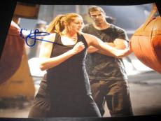 SHAILENE WOODLEY SIGNED AUTOGRAPH 8x10 PHOTO DIVERGENT PROMO IN PERSON COA D