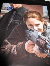SHAILENE WOODLEY SIGNED AUTOGRAPH 8x10 PHOTO DIVERGENT PROMO IN PERSON COA H