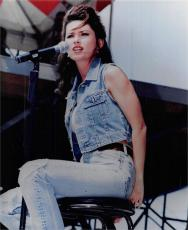 Shania Twain 8x10 photo (Canadian singer and songwriter)