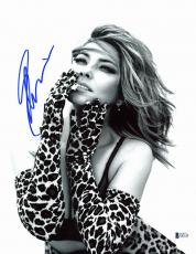 Shania Twain Country Musician Signed 11x14 Photo BAS #E85138