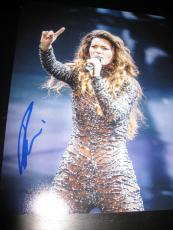 SHANIA TWAIN SIGNED AUTOGRAPH 8x10 PHOTO CONCERT DONT IMPRESS ME MUCH COA NY X11