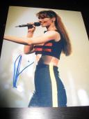 SHANIA TWAIN SIGNED AUTOGRAPH 8x10 PHOTO CONCERT SHOT STILL THE ONE TOUR RARE X1