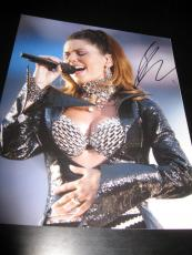SHANIA TWAIN SIGNED AUTOGRAPH 8x10 PHOTO SUPERBOWL CONCERT SHOT STILL THE ONE X1