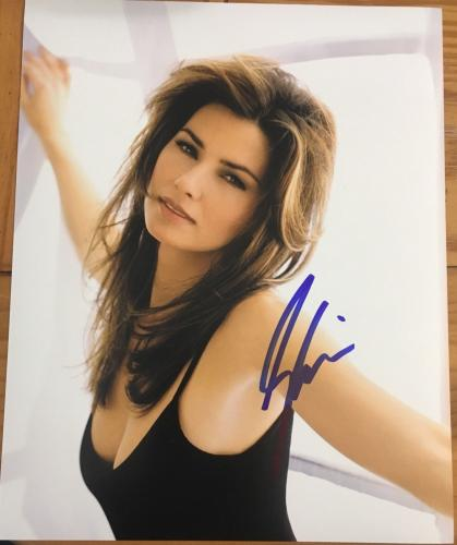 SHANIA TWAIN SIGNED AUTOGRAPH SEDUCTIVE TEASING COUNTRY BABE HOT 8x10 PHOTO B