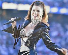Shania Twain Signed - Autographed Country Music Singer 8x10 inch Photo - Guaranteed to pass PSA or JSA