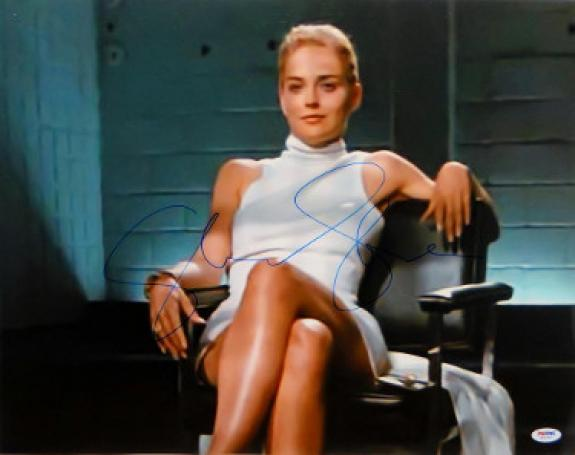 Sharon Stone signed Basic Instinct 16X20 Photo Famous Leg Crossed Horizontal - PSA ITP Holo (entertainment/movie memorabilia)