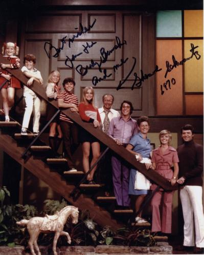 SHERWOOD SCHWARTZ HAND SIGNED 8x10 COLOR PHOTO+COA       BRADY BUNCH CAST PHOTO
