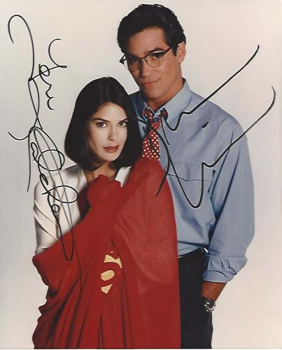 """Signed by DEAN CAIN as SUPERMAN and TERI HATCHER as LOIS LANE in TV Series """"LOIS & CLARK"""" 8x10 Color Photo"""