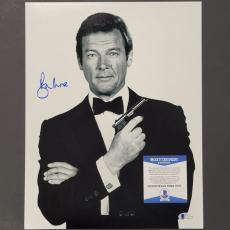 SIR ROGER MOORE Signed 007 James Bond 11x14 Photo #7 PSA/DNA COA Autograph Auto