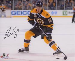 Reilly Smith Boston Bruins Autographed 8'' x 10'' Black Uniform Shooting Photograph - Mounted Memories