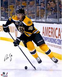 "Reilly Smith Boston Bruins Autographed 16"" x 20"" Black Uniform Skating Photograph"