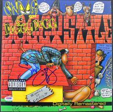 Snoop Dogg Signed Album Cover w/ Vinyl Graded Gem Mint 10! PSA/DNA #T51376