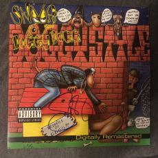 Snoop Dogg Signed Autographed Record Album LP Doggystyle