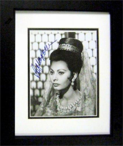 Sophia Loren autographed 8x10 photo matted and framed (Italy Actress) Image #SR67