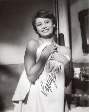 SOPHIA LOREN HAND SIGNED 8x10 PHOTO+COA        SEXY ACTRESS IN A TOWEL