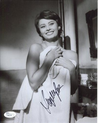 SOPHIA LOREN HAND SIGNED 8x10 PHOTO+JSA       VERY SEXY POSE WRAPPED IN TOWEL
