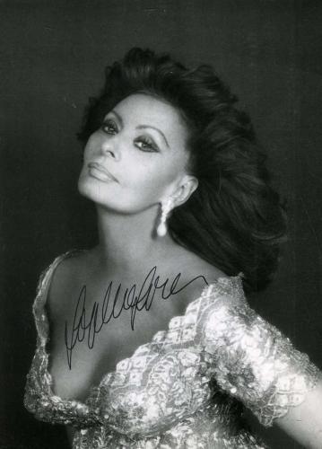 SOPHIA LOREN Hand Signed PSA DNA COA 5X7 Photo Autographed Authentic