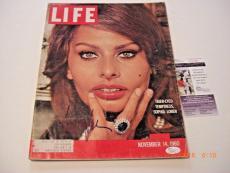 Sophia Loren Nov.14 1960 Life Famous Actress Jsa/coa Signed Life Magazine