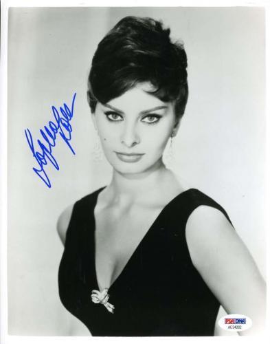 SOPHIA LOREN PSA DNA Coa Hand Signed Authenticated 8x10 Photo Autograph
