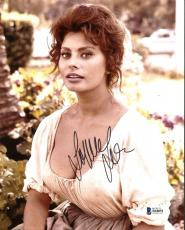 Sophia Loren Sexy Signed 8X10 Photo Autographed BAS #B18051