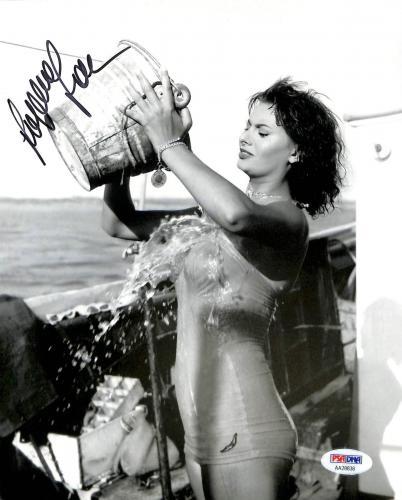 Sophia Loren Sexy Signed 8x10 Photo Autographed PSA/DNA #AA28836
