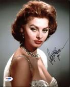 Sophia Loren Sexy Signed 8X10 Photo Autographed PSA/DNA #AA82577