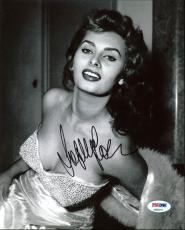 Sophia Loren Sexy Signed 8X10 Photo Autographed PSA/DNA #AB83018