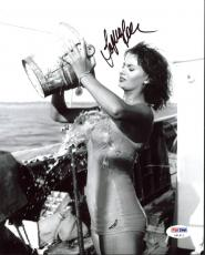 Sophia Loren Sexy Signed 8X10 Photo Autographed PSA/DNA #Z91511