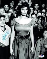 Sophia Loren Signed Authentic Autographed 8X10 B/W Photo PSA/DNA #P77133
