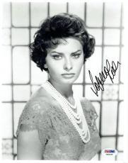 Sophia Loren Signed Authentic Autographed 8x10 Photo PSA/DNA #X99495