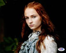 Sophie Turner SIGNED 8x10 Photo Sansa Stark Game of Thrones PSA/DNA AUTOGRPAHED