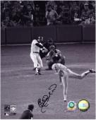 Elias Sosa Los Angeles Dodgers Reggie's 1977 WS Game 6 Homerun Autographed 8'' x 10'' Photograph - Mounted Memories