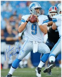Matthew Stafford Detroit Lions Autographed 16'' x 20'' Passing Photograph - Mounted Memories