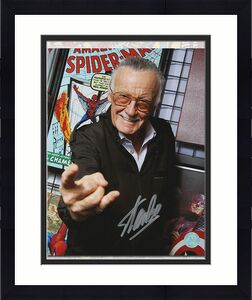 Stan Lee Autographed Comic Book Legend Web Slinger Promo 8x10 Photo