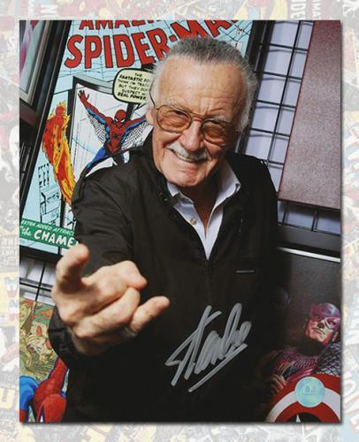 Stan Lee Autographed Comic Book Legend Web Slinger Promo 8x10 Photo